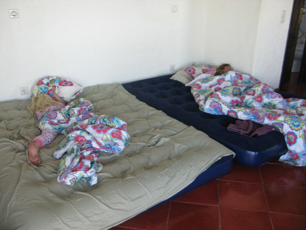 Sova på luftmadrass i tre veckor