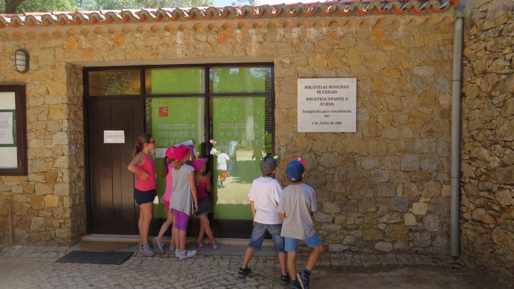 """Vad heter """"barnbibliotek"""" på engelska?"""
