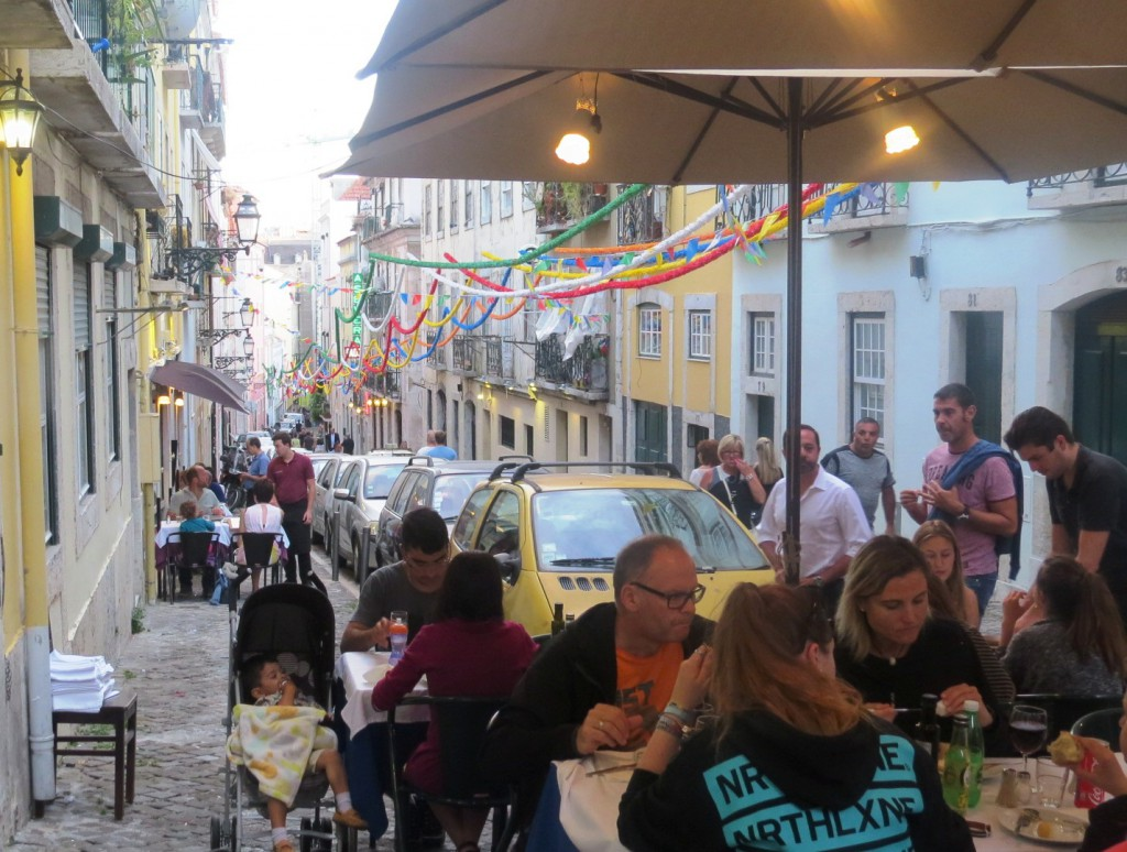 Fonte och Lisboa på kvällen juli 2015 107