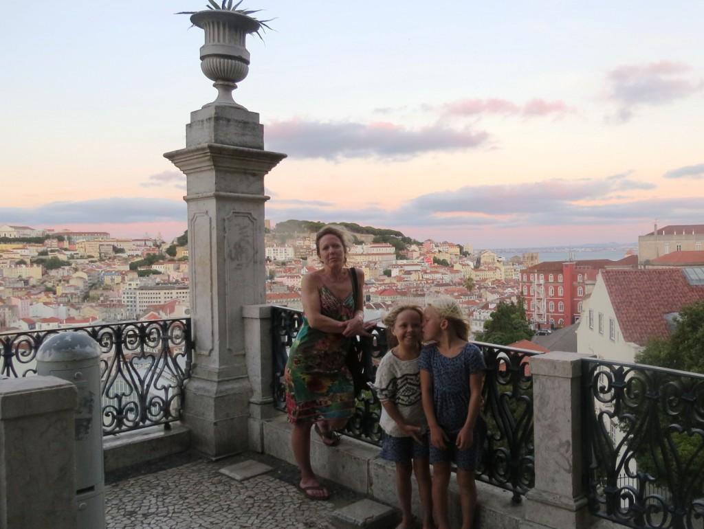Fonte och Lisboa på kvällen juli 2015 122
