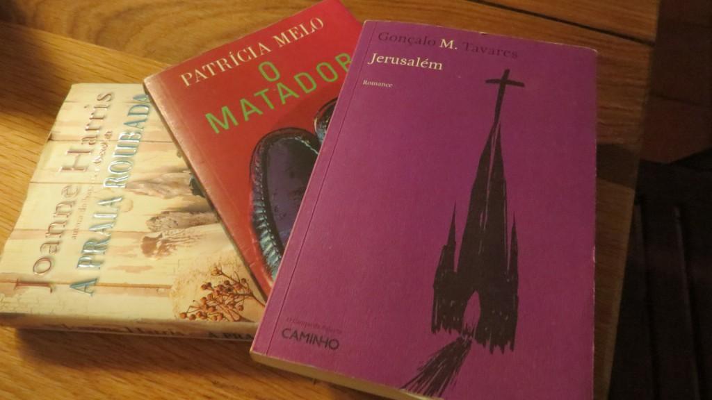Något översatt. något brasililanskt, och Jerusalém som jag fick av fröken.