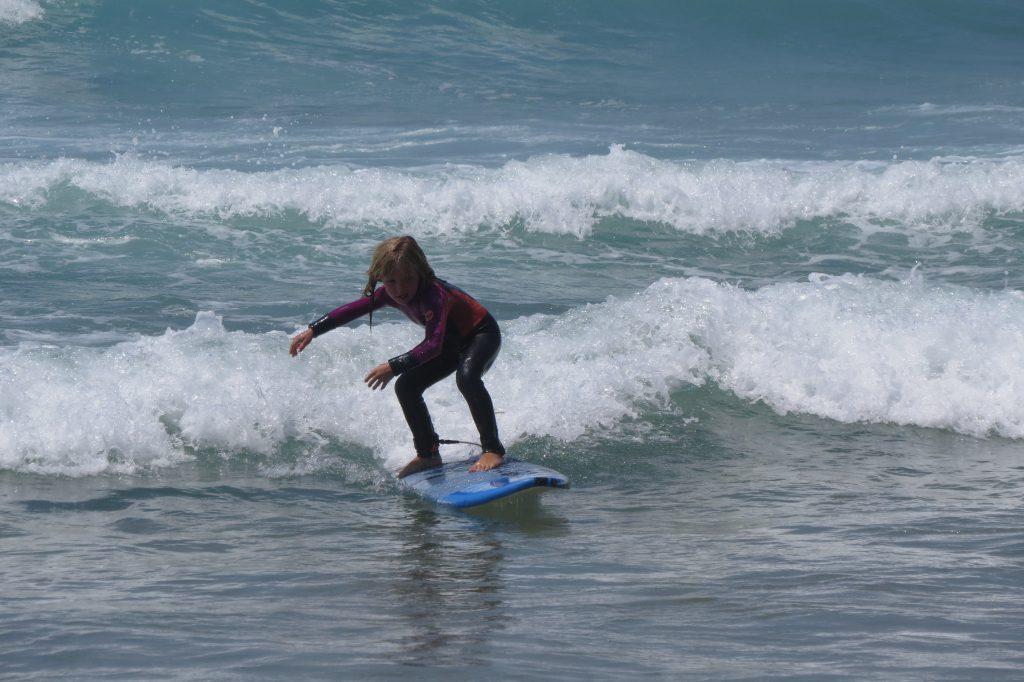 Och Frida surfade redan andra sommaren bättre än jag nånsin gjort.