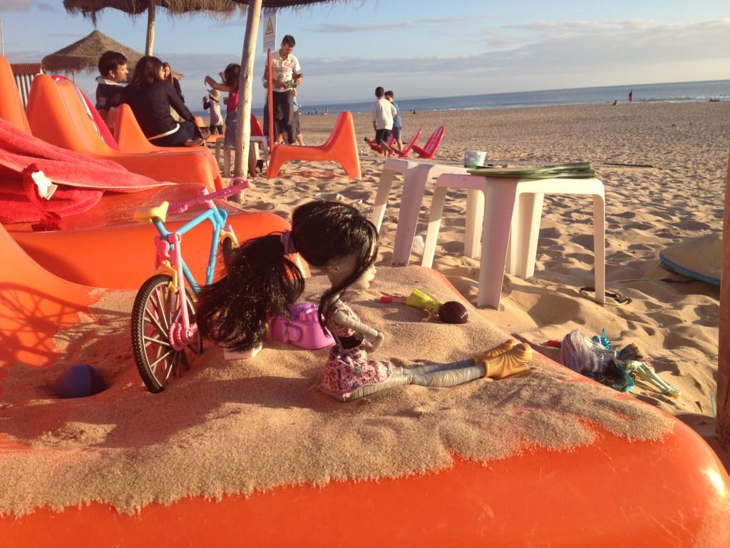 Monster High on the beach!