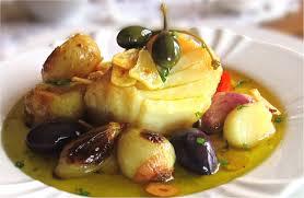 eller bacalhau a lagareiro, med olivolja och vitlök..