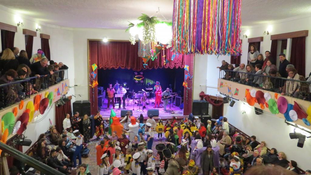 Mer dans och musik på nästa sociedad